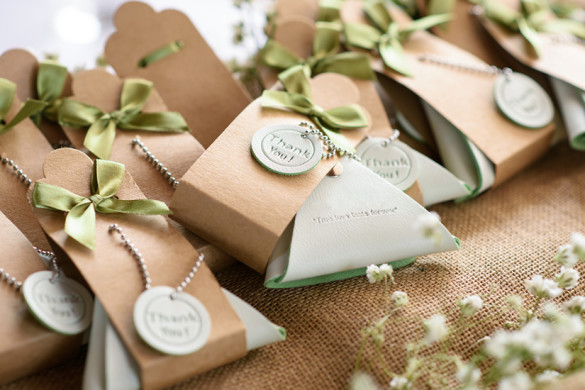weddinggifts_featured